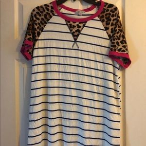Leopard, hot pink and blue striped tee, L, CUTE!